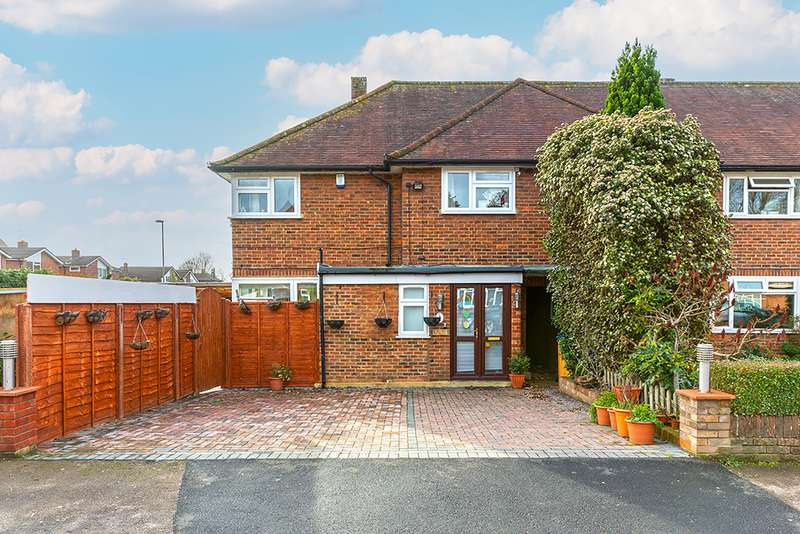 3 Bedrooms Property for sale in Manordene Road, Thames Ditton, KT7