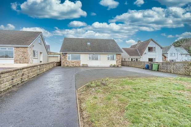 1 Bedroom Detached House for sale in Bull Bay Road, Amlwch, Anglesey, LL68 9EA