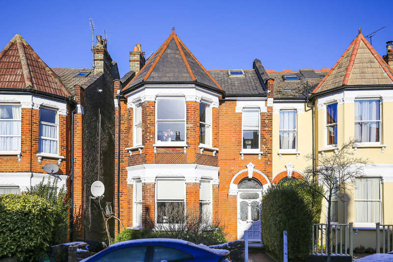5 Bedrooms Terraced House for sale in Alexandra Park Road, London
