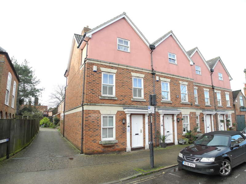 4 Bedrooms Town House for sale in Broad Street, Bungay