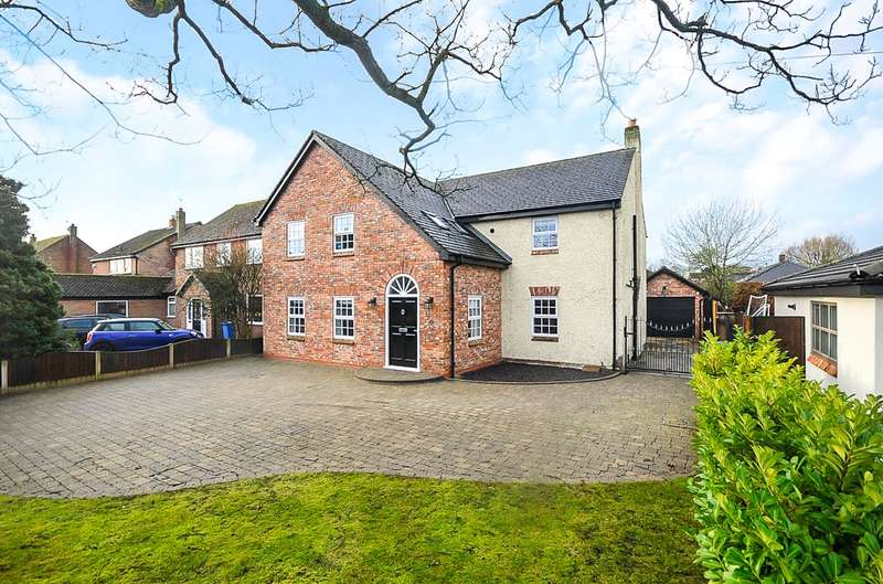 4 Bedrooms Detached House for sale in Twiss Green Lane, Culcheth, Warrington, WA3