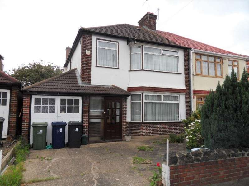 3 Bedrooms Semi Detached House for sale in Dorset Avenue, Norwood Green