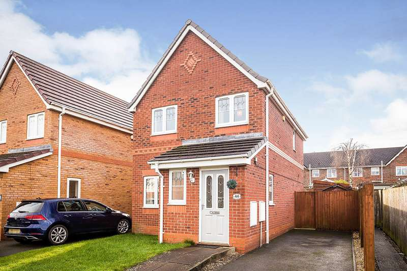 3 Bedrooms Detached House for sale in Ascot Road, Oswestry, Shropshire, SY11