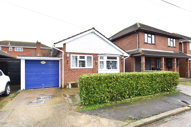 2 Bedrooms Bungalow for sale in Bommel Avenue, Canvey Island
