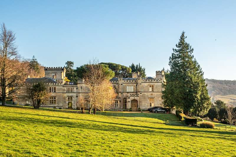 3 Bedrooms Apartment Flat for sale in Warleigh Manor, Warleigh, Bath, BA1