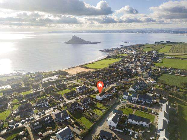 4 Bedrooms Semi Detached House for sale in Trevenner Lane, Marazion