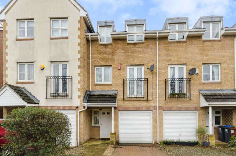 3 Bedrooms House for sale in Old School Place, South Croydon, CR0