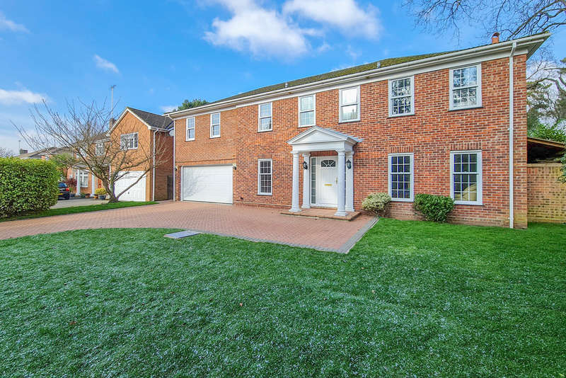 6 Bedrooms Detached House for sale in Pine Walk, Cobham