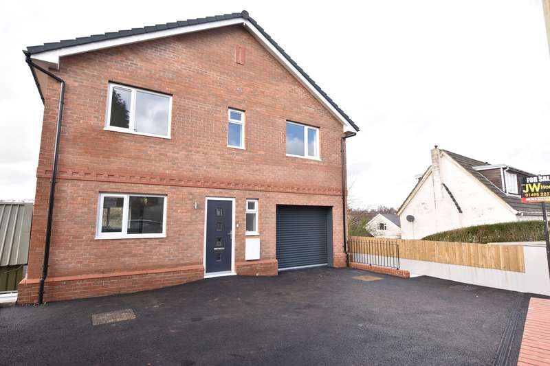 5 Bedrooms Detached House for sale in Tabor Road, Maes Y Cwmmer, Hengoed , CF82