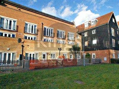 1 Bedroom Flat for sale in Highbridge Street, Waltham Abbey