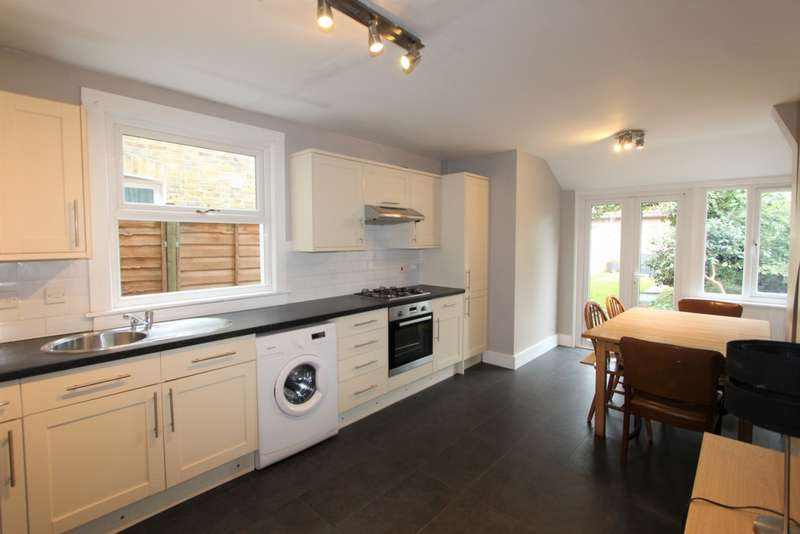3 Bedrooms Terraced House for sale in Amberley Grove, East Croydon, CR0