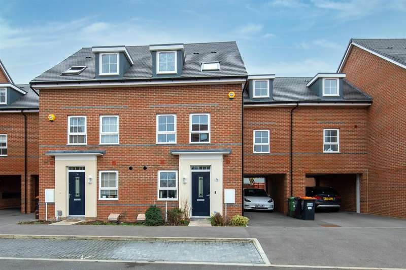 5 Bedrooms Semi Detached House for sale in Design Drive, Dunstable