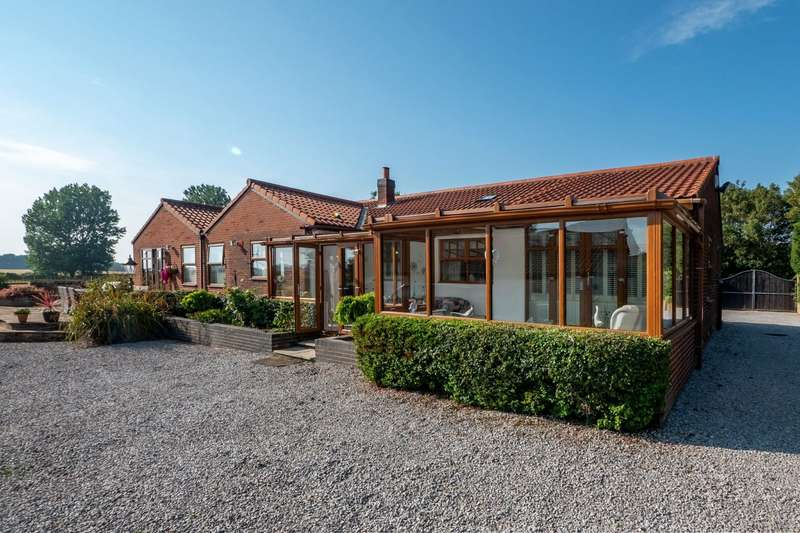4 Bedrooms Detached Bungalow for sale in Newfield Lane, Lelley, Hull, East Yorkshire, HU12