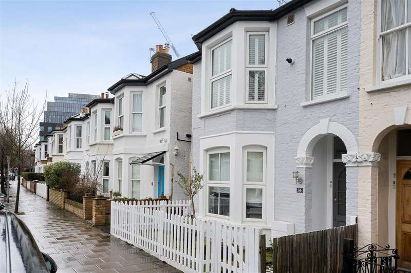 2 Bedrooms Flat for sale in Hartfield Crescent, Wimbledon