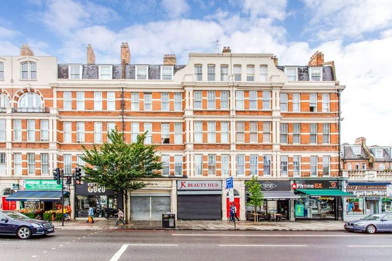 3 Bedrooms Flat for rent in Holloway Road, London, N7