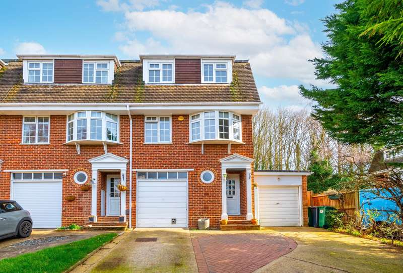 4 Bedrooms House for sale in Palmer Close, RH1