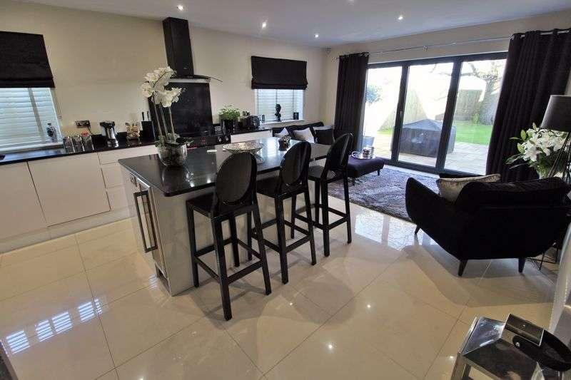 4 Bedrooms Property for sale in Mill Lane, Hesketh Bank, Preston