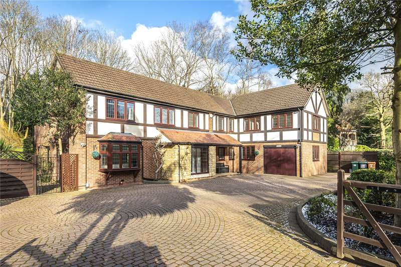 6 Bedrooms Detached House for sale in Valley Road, Chorleywood, WD3