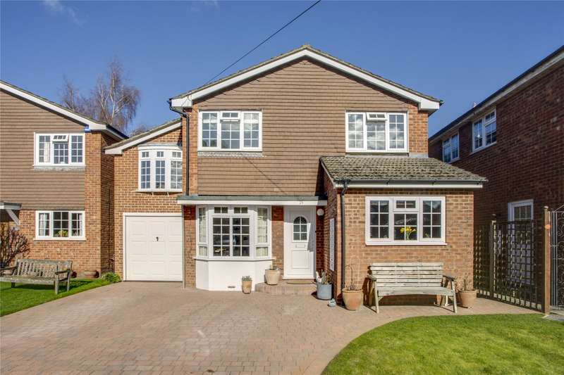 5 Bedrooms Detached House for sale in Bovingdon Heights, Marlow, SL7