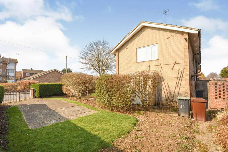 2 Bedrooms End Of Terrace House for sale in Plover Road, Larkfield, Aylesford, ME20