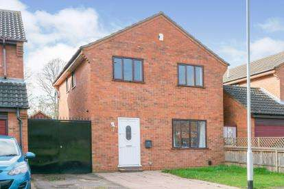 4 Bedrooms Detached House for sale in Walcourt Road, Kempston, Bedford, Bedfordshire