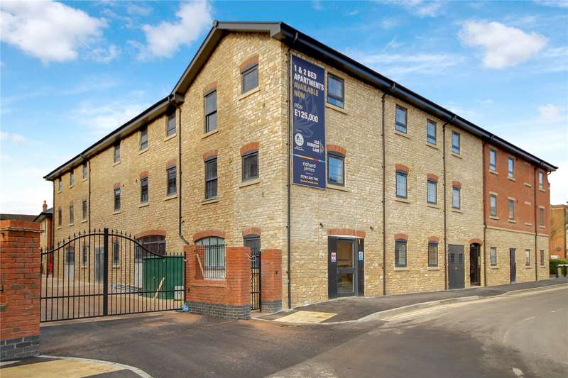 2 Bedrooms Flat for sale in Old Brewery Lane, Old Town, Swindon, SN1