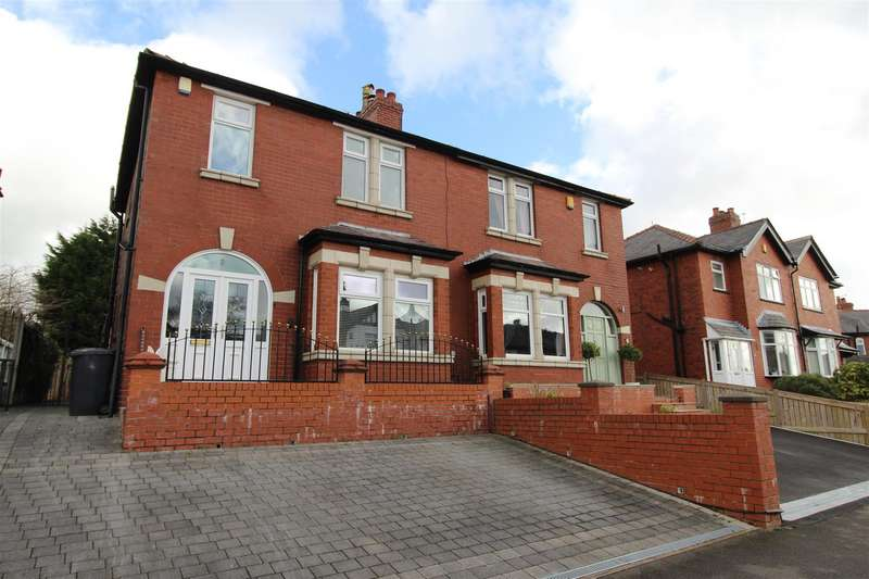 3 Bedrooms Semi Detached House for sale in Whitley Crescent, Whitley, Wigan. WN1 2QS