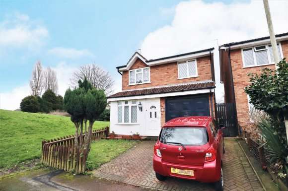 3 Bedrooms Property for sale in Denville Close, Bilston