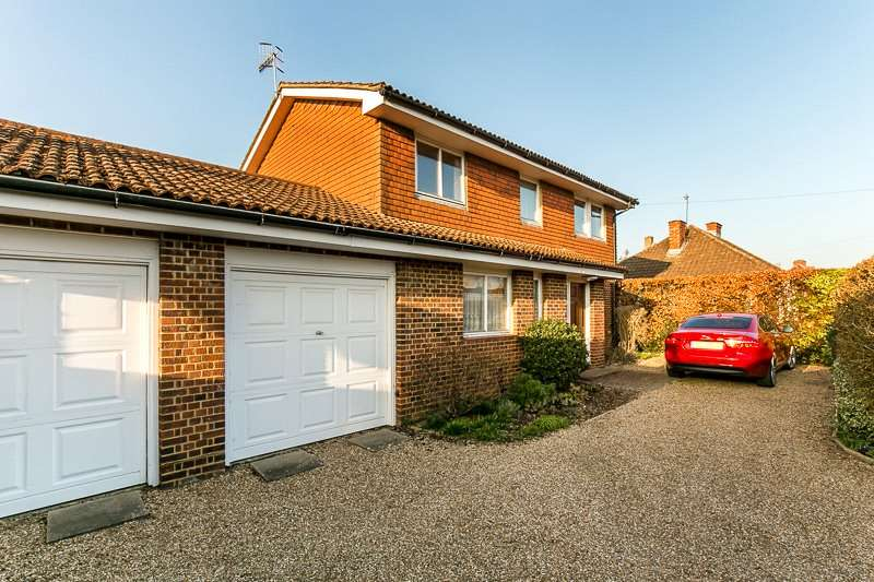 4 Bedrooms Detached House for sale in Balcombe Gardens, HORLEY, Surrey, RH6