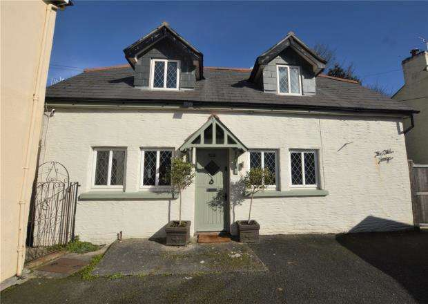2 Bedrooms Detached House for sale in Church Road, Penryn, Cornwall