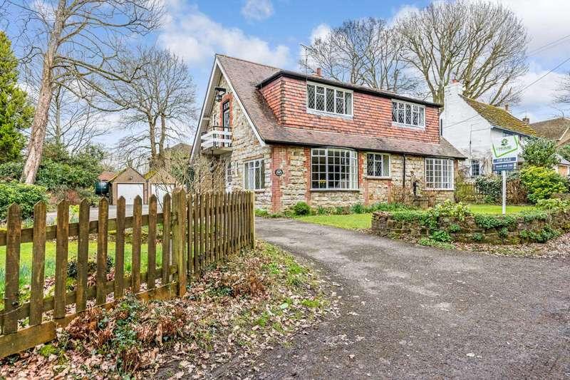 3 Bedrooms Detached House for sale in Winterpit Lane, Mannings Heath