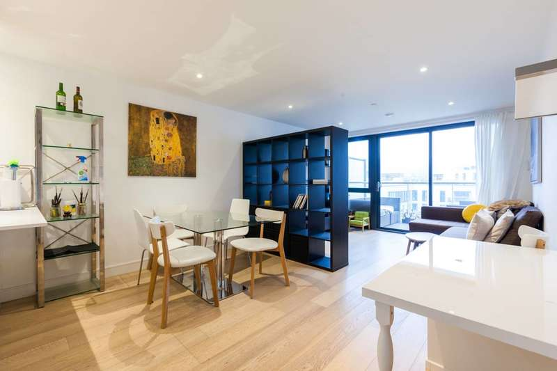 3 Bedrooms Flat for sale in Commercial Street, Aldgate, E1