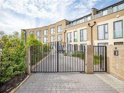 5 Bedrooms House for sale in Gunnersbury Mews, London