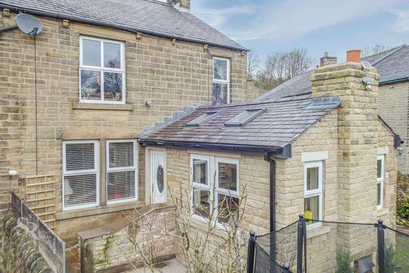 3 Bedrooms House for sale in Hillside, Chapel Milton, High Peak, Derbyshire, SK23 0QQ