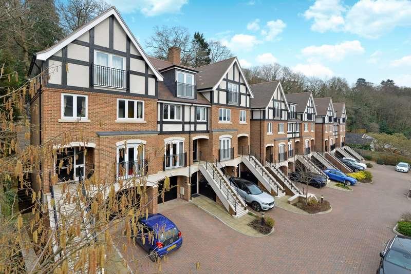 5 Bedrooms Terraced House for sale in Albury Mews, Godalming, Surrey, GU7