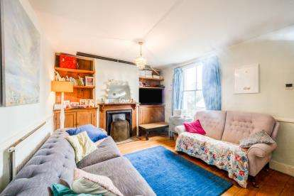 3 Bedrooms End Of Terrace House for sale in Totnes, Devon