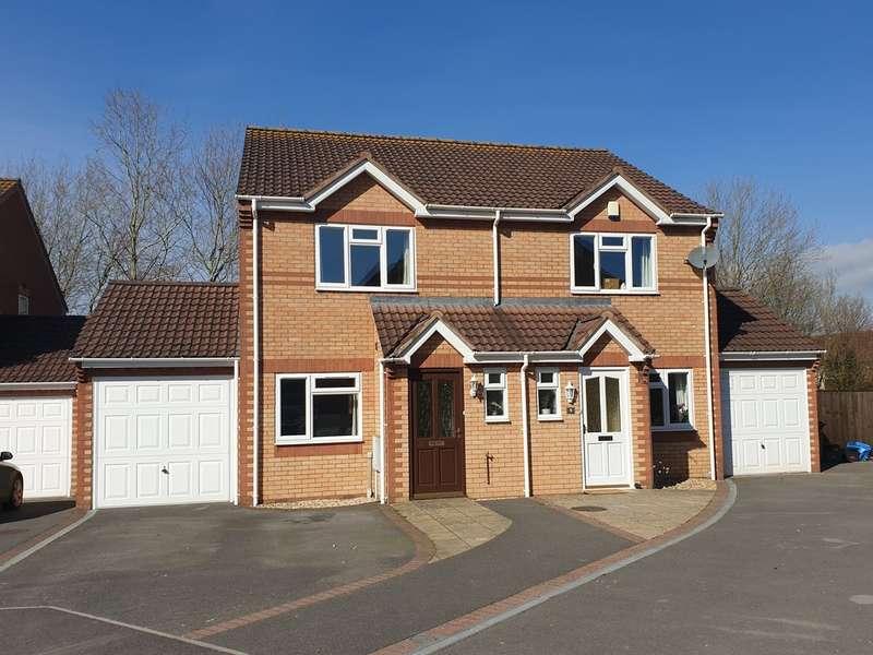 3 Bedrooms Semi Detached House for sale in Carmine Close, Glastonbury