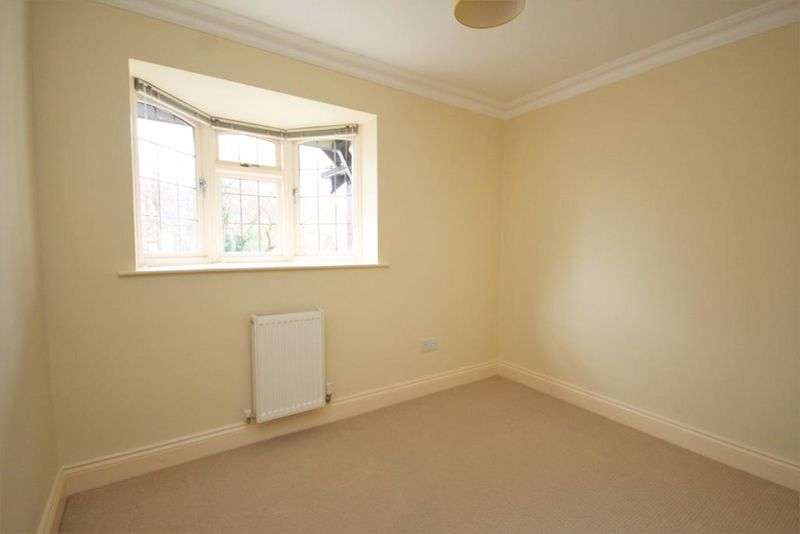 4 Bedrooms Property for sale in Baymans Wood, Brentwood