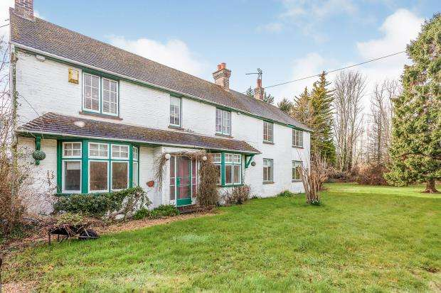 5 Bedrooms Detached House for sale in Alfold, Cranleigh, Surrey