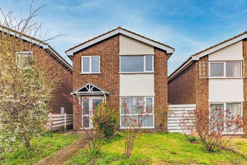 3 Bedrooms Detached House for sale in Manton Lane, Bedford, MK41 7NZ