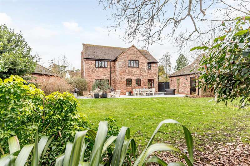5 Bedrooms Detached House for sale in Romney Place, Rugby, Warwickshire