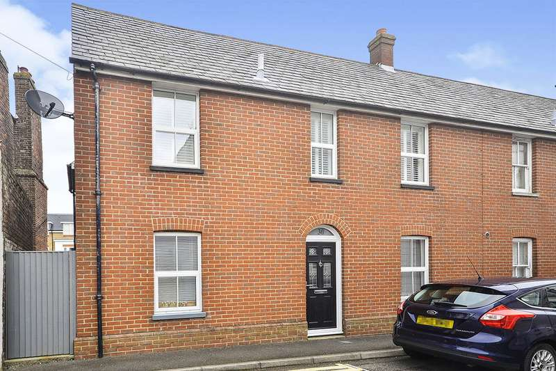 3 Bedrooms End Of Terrace House for sale in Peter Street, Deal, Kent, CT14