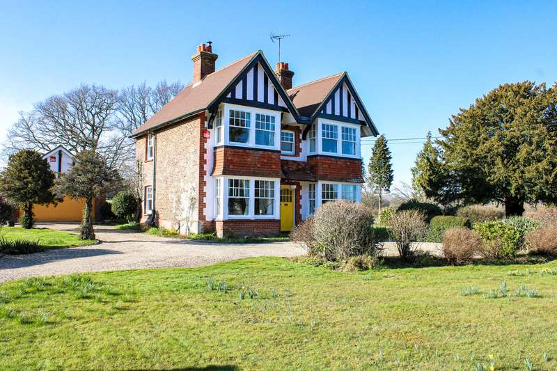 4 Bedrooms Detached House for sale in Station Road, Plumpton Green