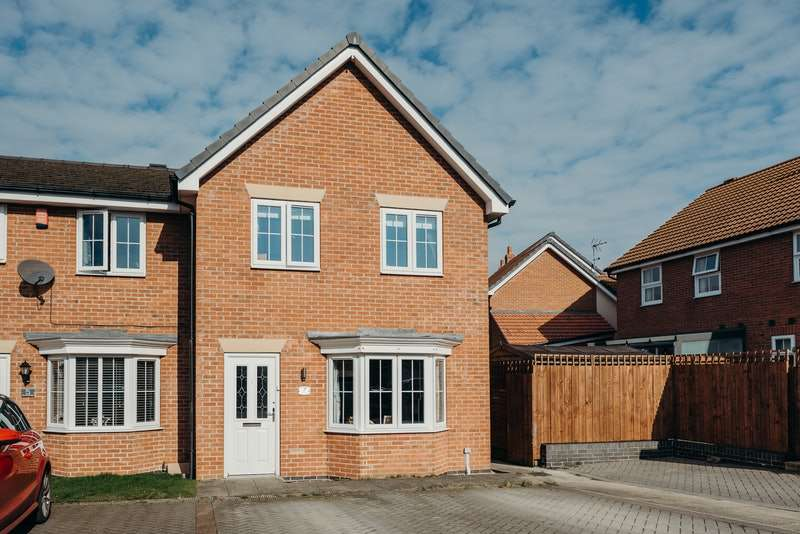 3 Bedrooms End Of Terrace House for sale in Burton Road, Immingham, Lincolnshire, DN40