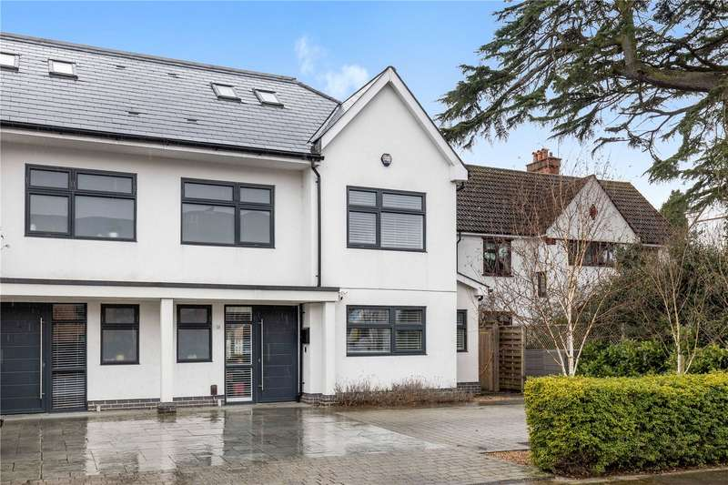 4 Bedrooms Semi Detached House for sale in Beckenham Road, West Wickham, BR4