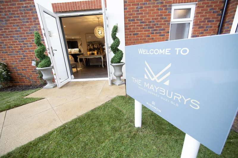 2 Bedrooms Apartment Flat for sale in Monument Road, Woking, GU21