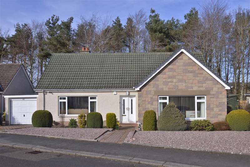 3 Bedrooms Bungalow for sale in 45 Lennel Mount, Coldstream
