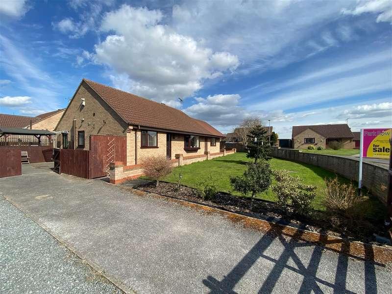 3 Bedrooms Detached Bungalow for sale in Oakdale Close, Snaith, Goole