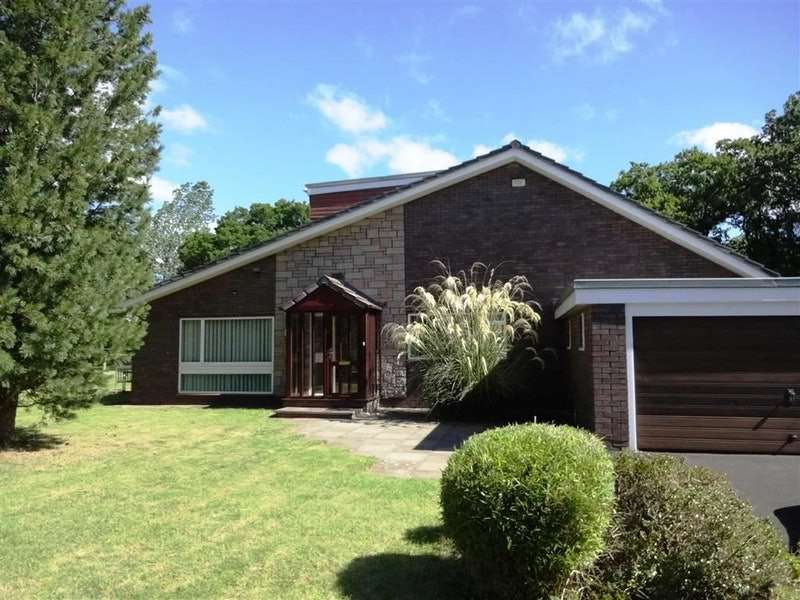 3 Bedrooms Detached House for sale in Field House Close, Morpeth, Northumberland, NE61