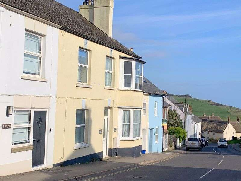 3 Bedrooms Property for sale in  Charleston House, The Street, Charmouth